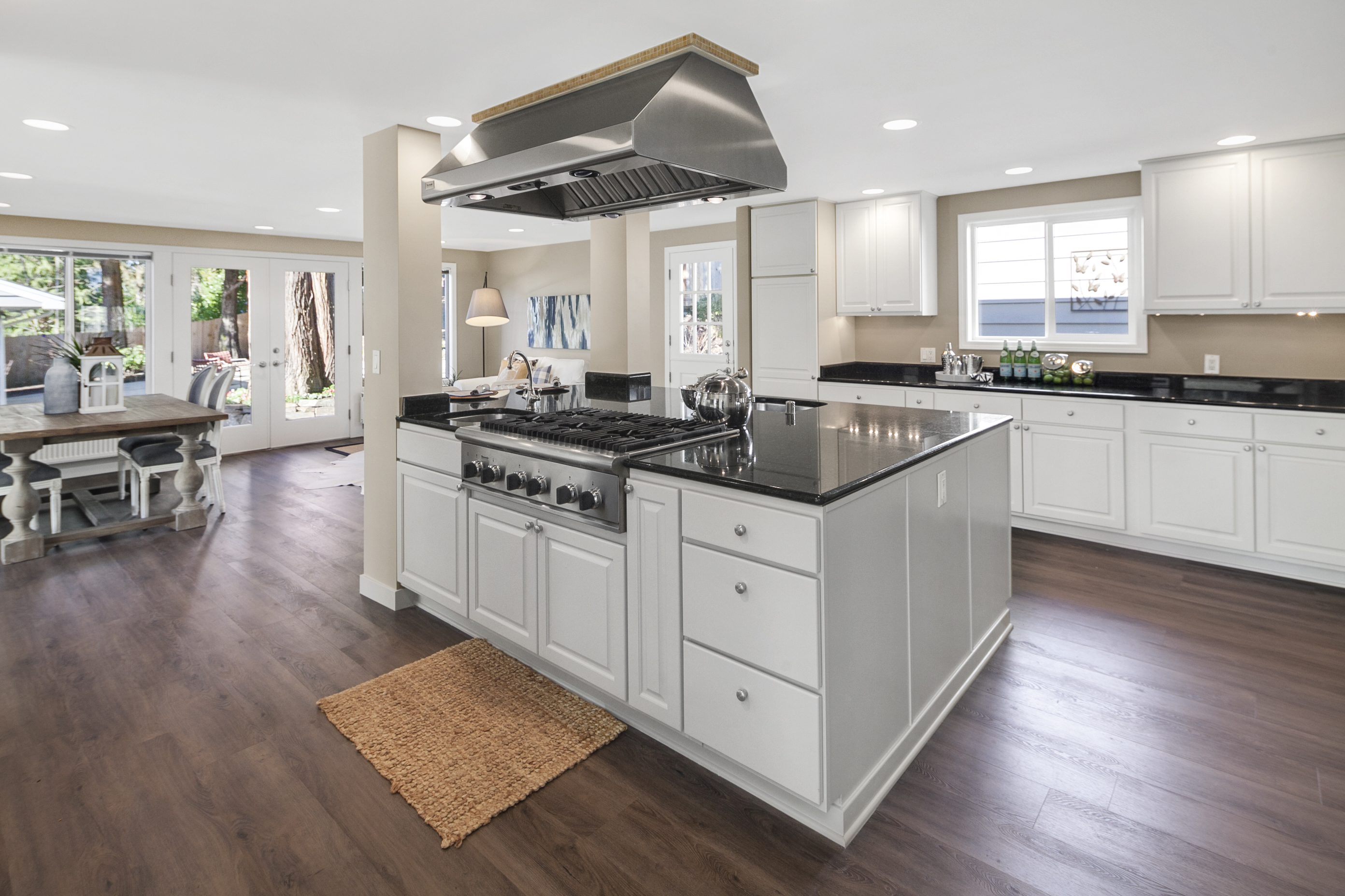 Bellevue Kitchen Cabinets